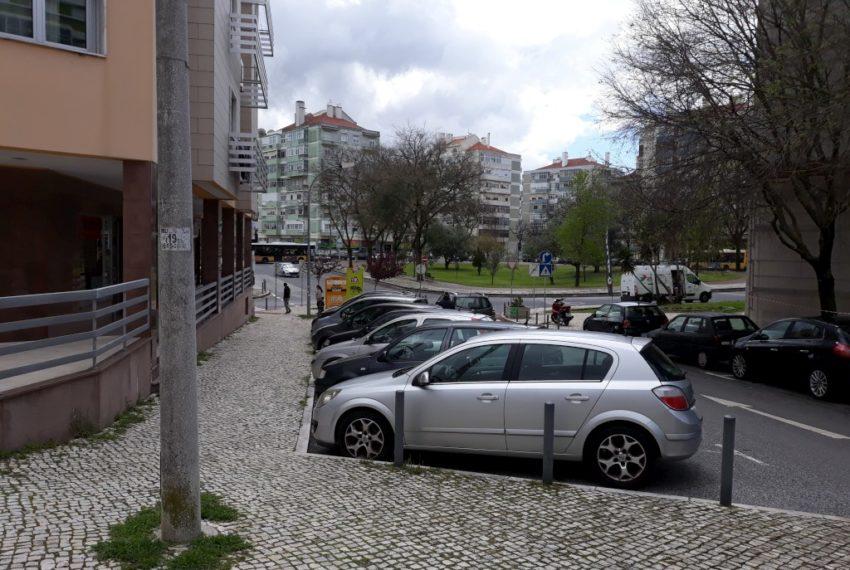 T2 T3 no fundo da rua Pingo Doce Av Uruguai-1024