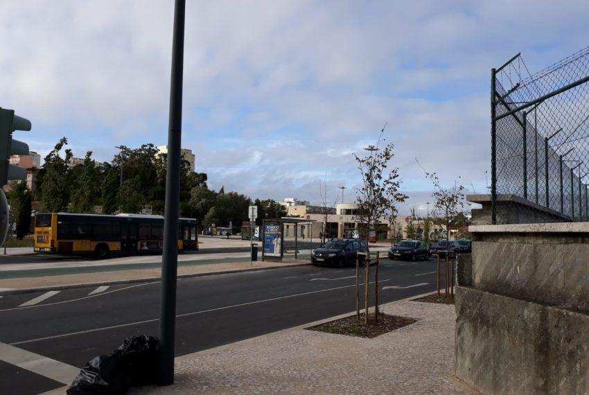 entrada e metro Pontinha