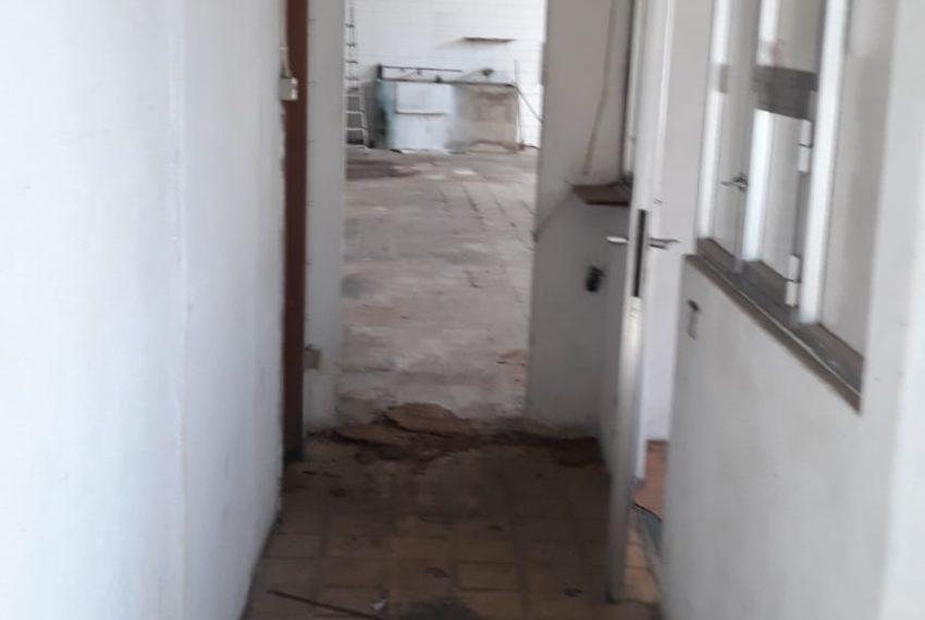 corredor -porta - acesso a cprinc , escritórios e C2
