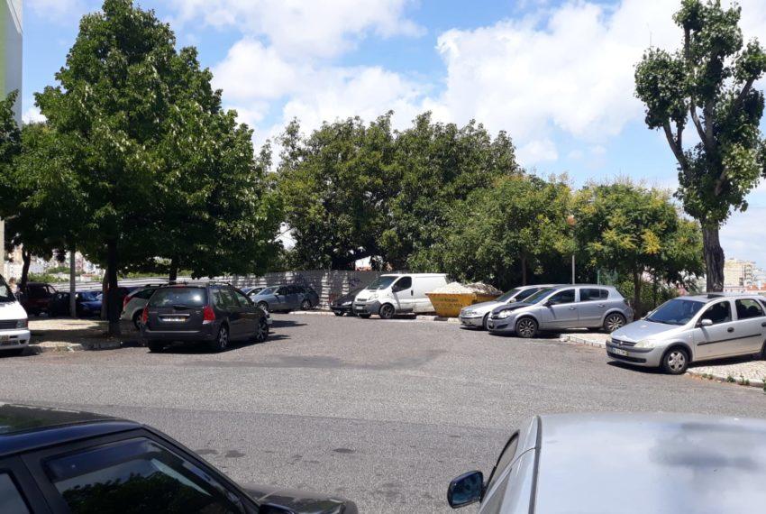 rua entrada estacionamentos