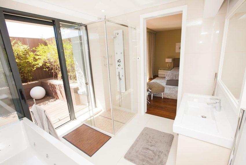 detalhe wc com acesso a quarto e a jardim varanda