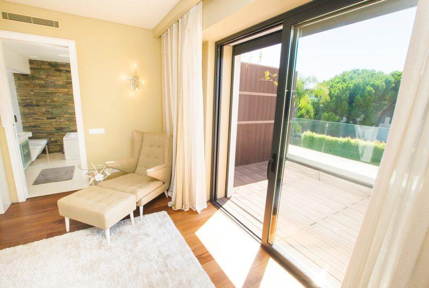 vista parcial 1 dos quartos suite com varanda