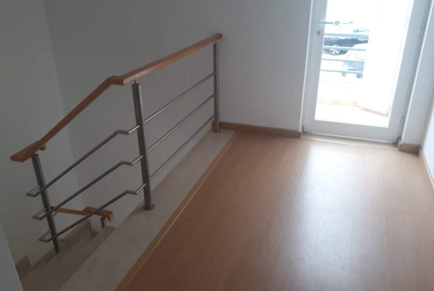 Detalhe escada e Mezzanine
