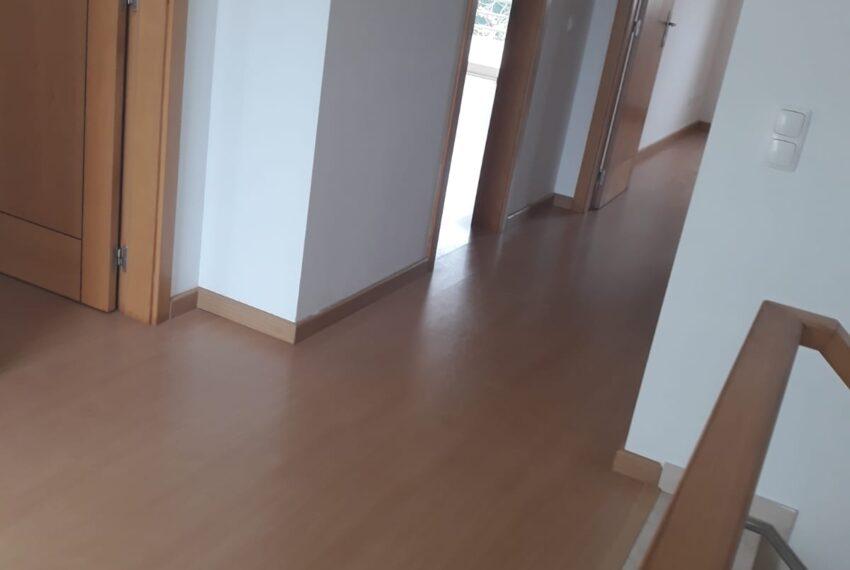 Mezzanine e corredor piso 1