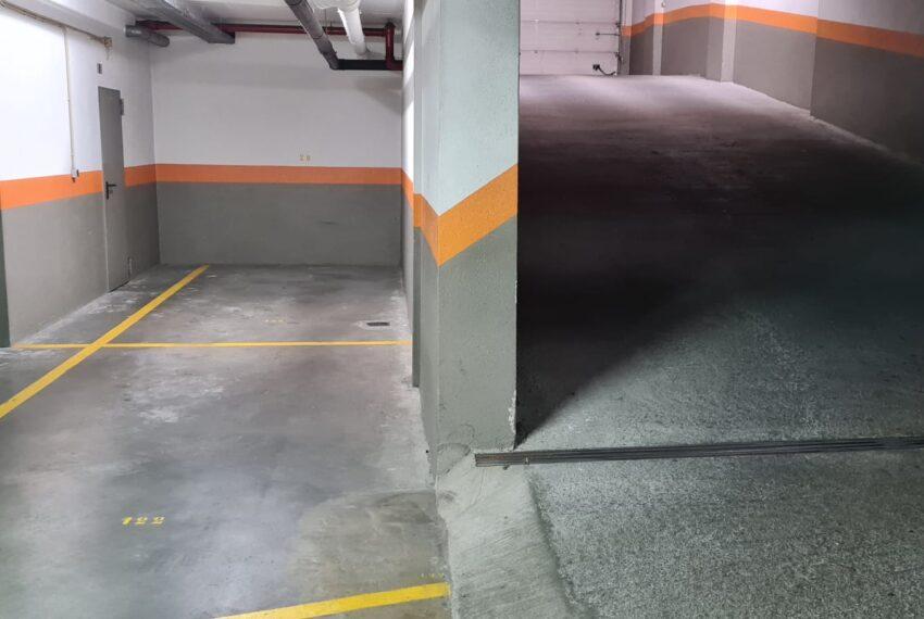 2 parqueamentos e arrecadação